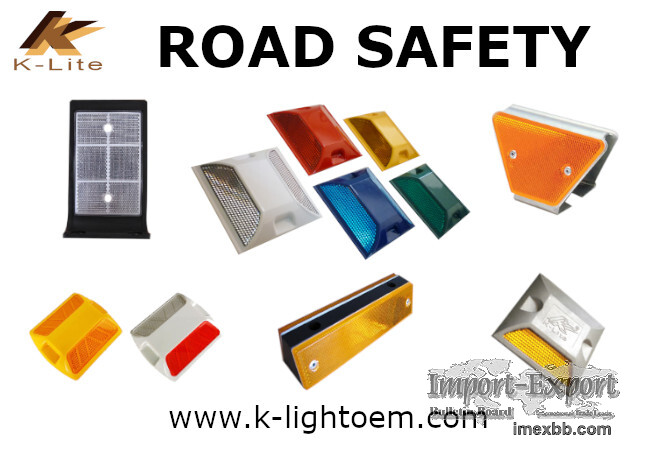 Roadway safety Reflector