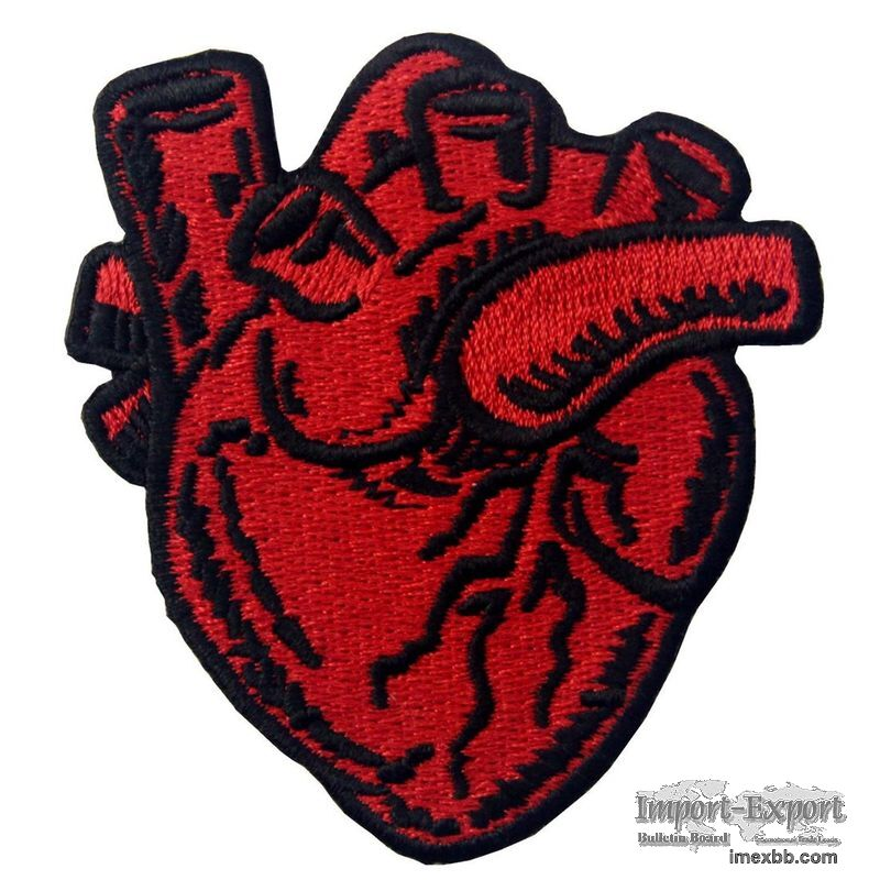 Eco Friendly 120D Woven Custom Embroider Patch Red Heart Applique For Cloth