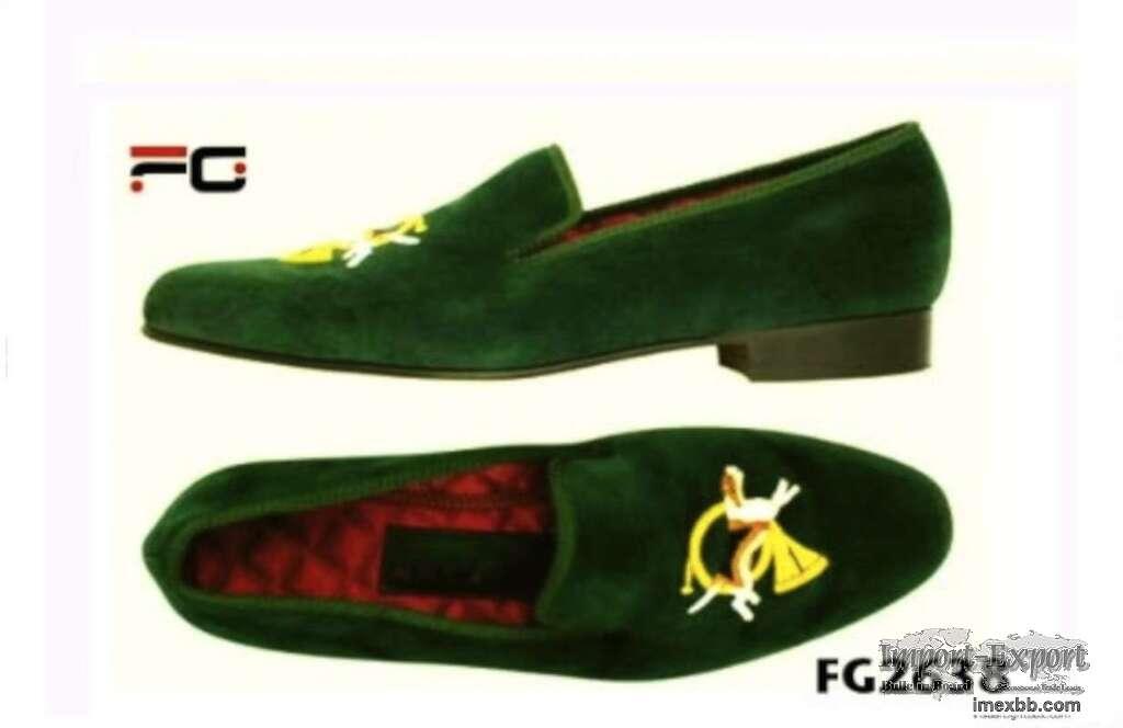 Velvet shoe for birthday gift