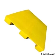Yellow USDA Approved Plastic Pallets Storage PE Export 120x100cm